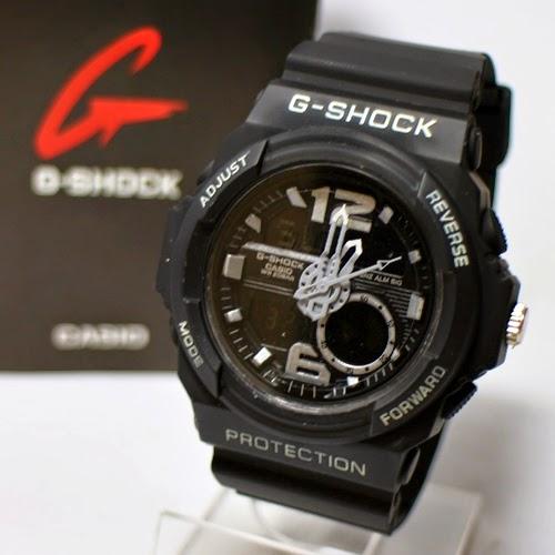 GA 310 Black White