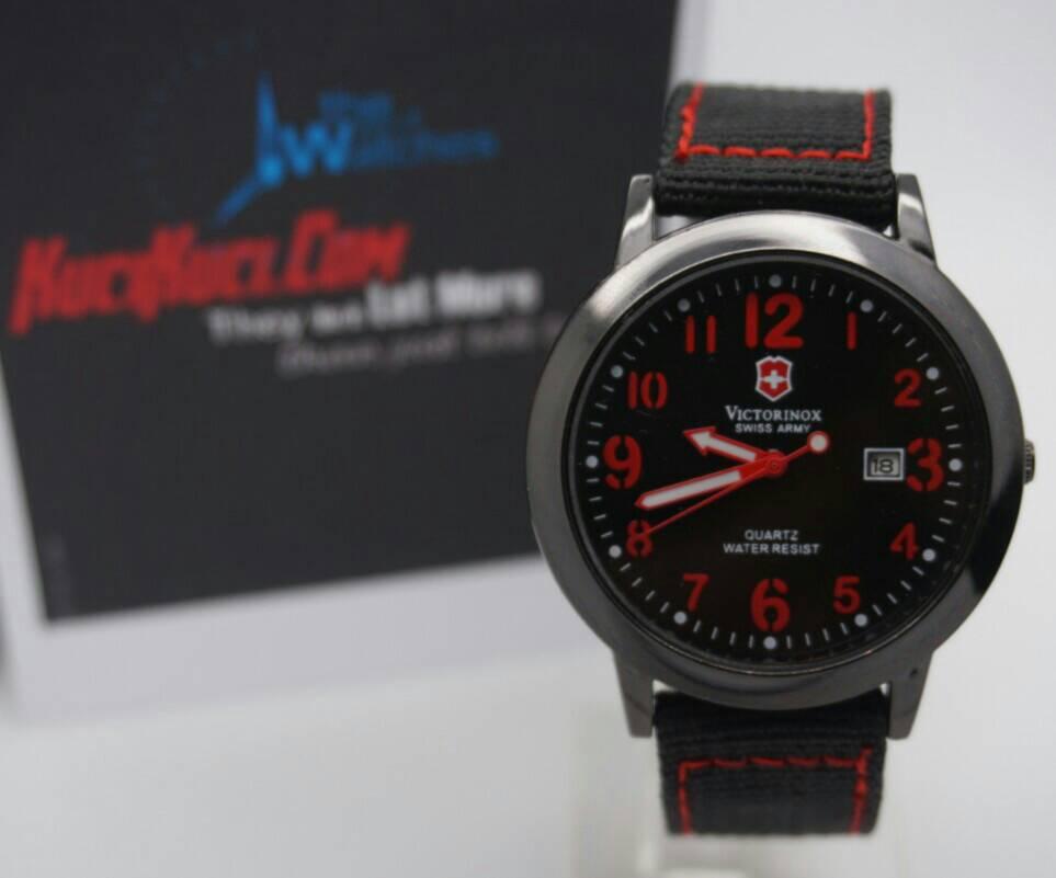 Victorinox Swiss Army Black Red